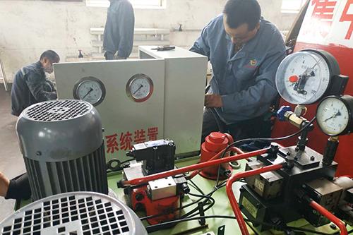 山西振兴煤矿安装冗余系统装置的工作照